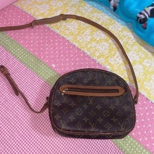 Vintage Louis Vuitton crossbody